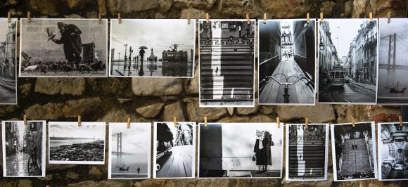 Fotos nebeneinander an einer Wäscheleine; Foto: Brigitta Schneiter/ Unsplash